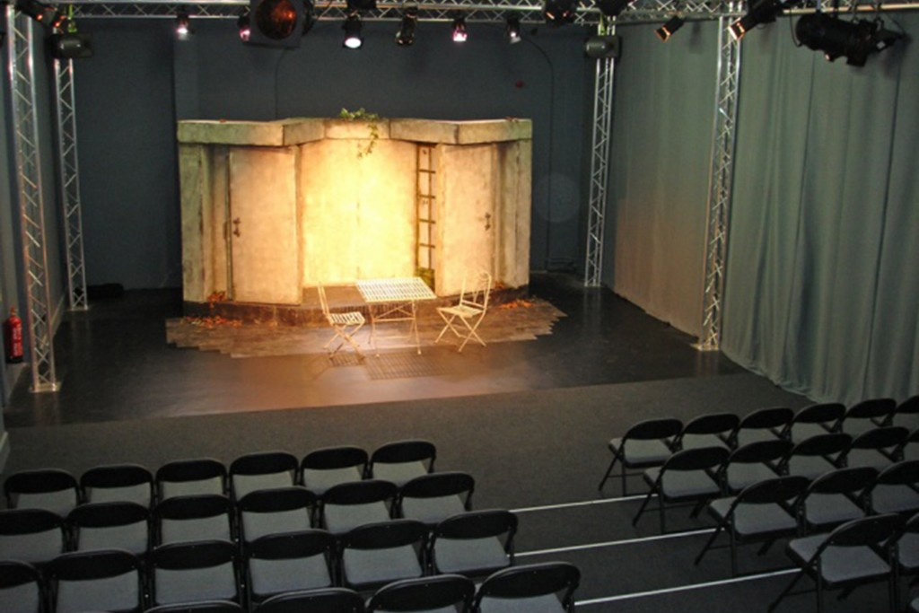 Courtyard Theatre 3
